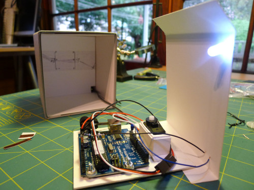 Diorama 02, board, servo motor and LED
